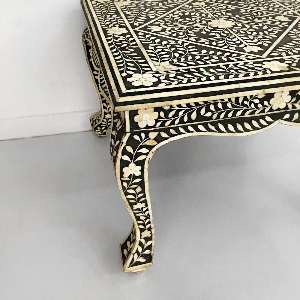 17    MAHARAJA TABLE