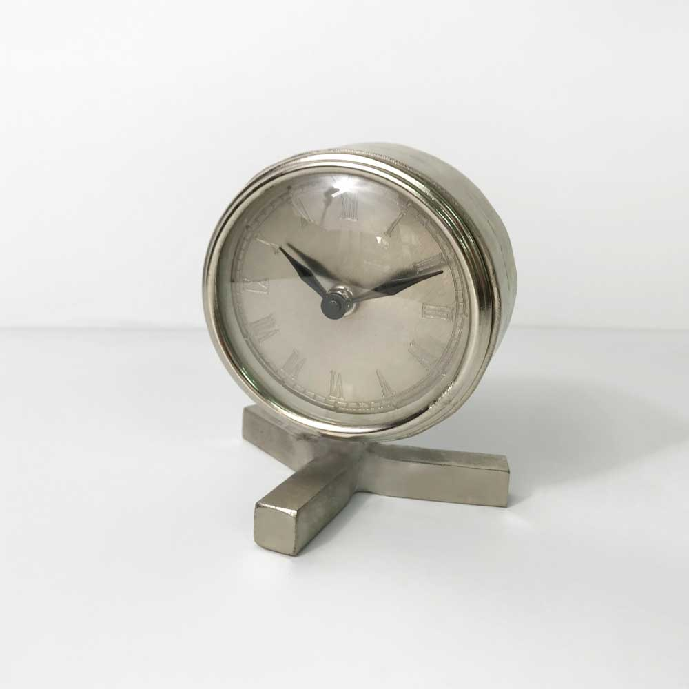 33   TABLE CLOCK