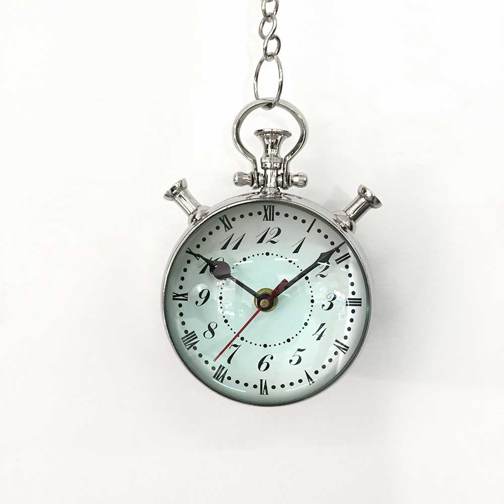 22    HANGING CLOCK WITH CHAIN